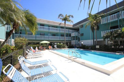 . Beach Palms 2A