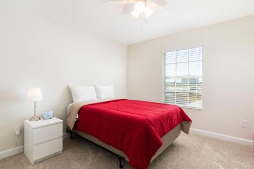 Lovely Vacation Townhouse with Pool SL3103 - image 3
