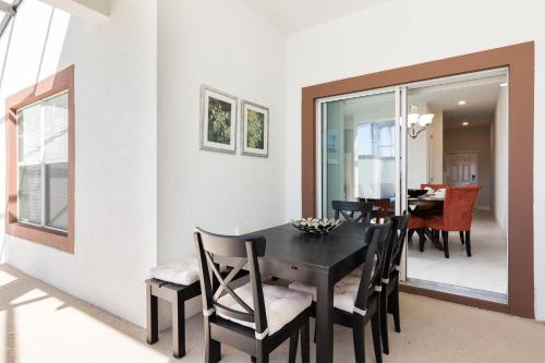 Lovely Vacation Townhouse with Pool SL3103 - image 6