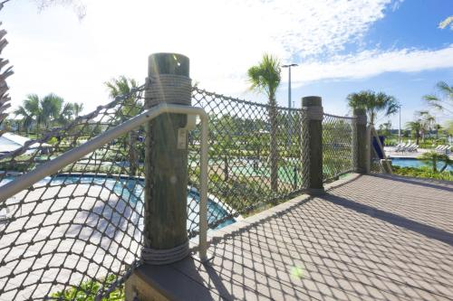 Lovely Vacation Townhouse with Pool SL3103 - image 8
