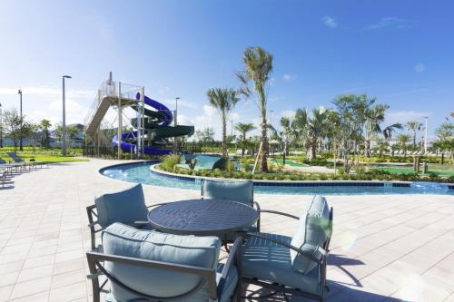 Lovely Vacation Townhouse with Pool SL3103 - image 9
