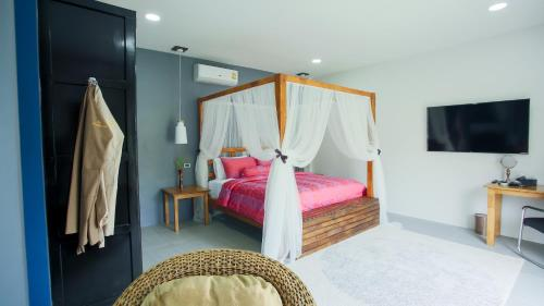 The Longhouse Boutique Bed & Breakfast