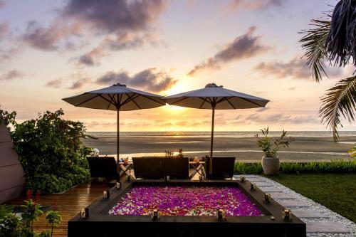 . Luxury Sakina Villa - Beachfront