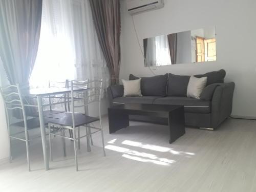 . Apartments Avgusta Trayana