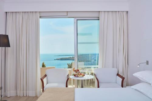 Standard Twin or Double Room Sea View