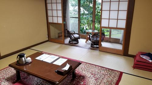 和室 4人部屋 (Japanese-Style Quadruple Room)