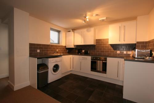 Picture of Central Serviced Apartments - 84 Gloucester Rd