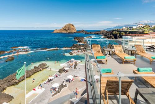 Rotunda das Piscinas, n⁰ 3, Vila do Porto Moniz, 9270-095 Porto Moniz, Madeira, Portugal.