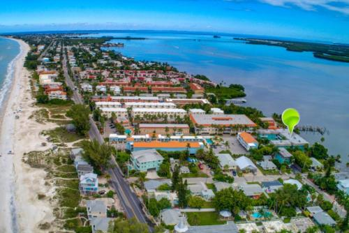 . The Anna Maria Island Beach Palms 2B