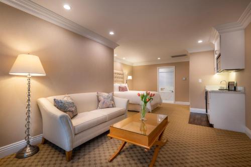 Beverly Hills Plaza Hotel & Spa - image 4