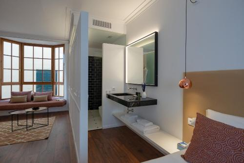 Deluxe Suite Divina Suites Hotel Singular -Adults Only 9