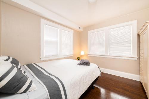 3 Bedroom & 2 Bath Victorian @Yonge & Eglinton! (Oriole1) room photos