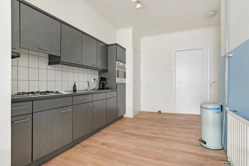 Best apartment in most vibrant street, 3012 BT Rotterdam