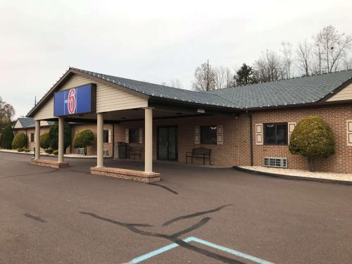 . Motel 6-Bloomsburg, PA