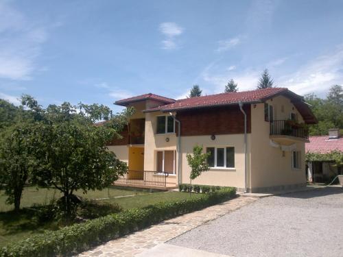 . Villa Nanevi
