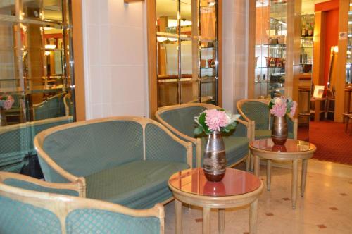 Hotel Royal Elysées photo 57