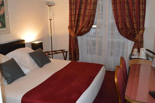 Hotel Royal Elysées photo 67