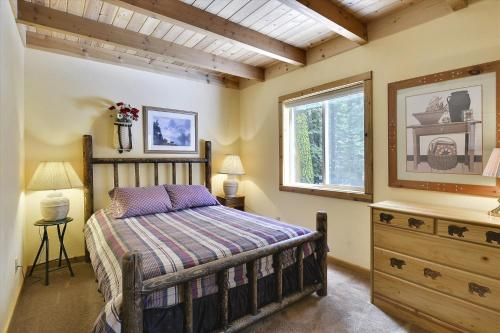 West Shore House In The Woods - Tahoe City, CA 96145