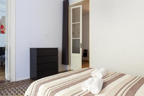 KeyBarcelona Plaza Universidad Apartment - Gran Via photo 70