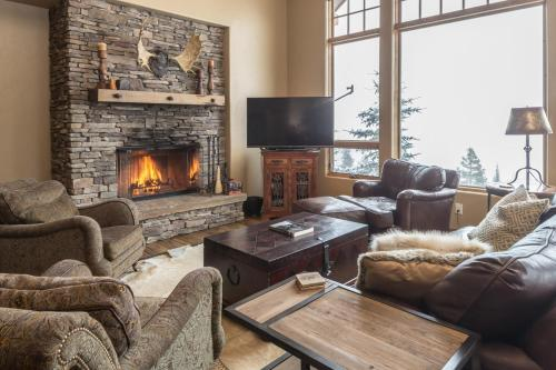 . Big View Luxury Suite