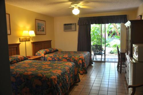 Fawlty Towers Motel - Cocoa Beach, FL 32931
