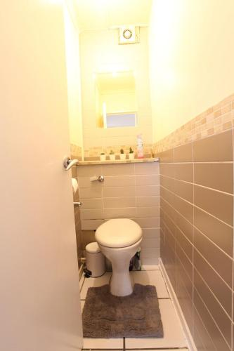 Picture of Chelsea off Kings Road One Bedroom Apartment with balcony