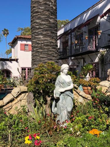 Villa Rosa Inn - Santa Barbara, CA CA 93101
