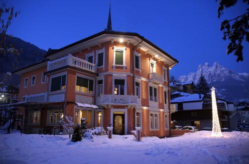 . Hotel Luis