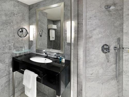 The Park Tower Knightsbridge, a Luxury Collection Hotel photo 13