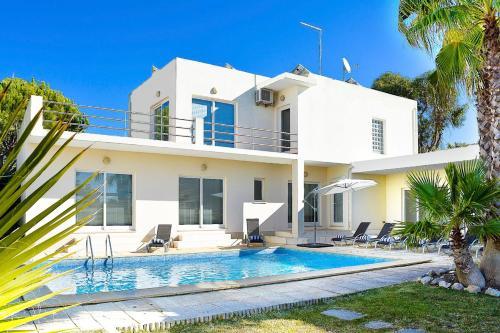 Sol Troia Villa Sleeps 8 Pool Wifi