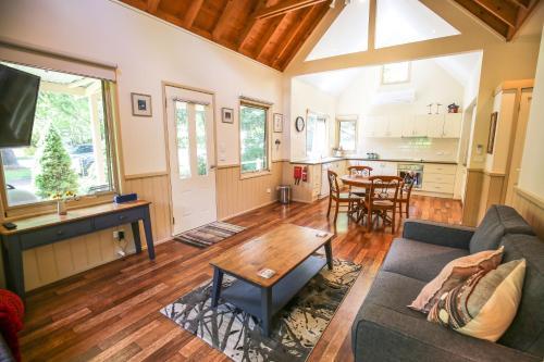Alpine Arnica Cottage 1 - Accommodation - Harrietville