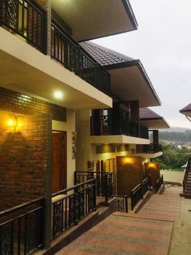 . Pinn Pinn Kalaw Hotel