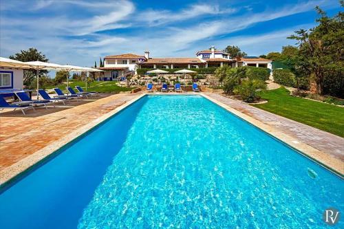 Boliqueime Villa Sleeps 16 Pool Air Con Wifi