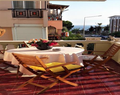 Antalya Villa Akat tek gece fiyat