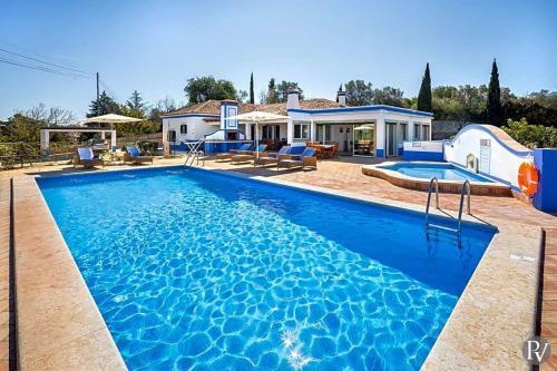 Boliqueime Villa Sleeps 6 Pool Air Con Wifi
