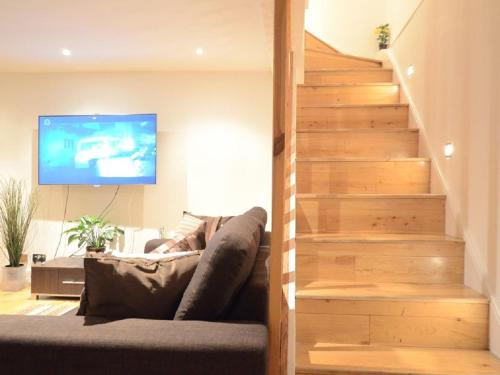Oval Townhouse - 9 Guests - Parking