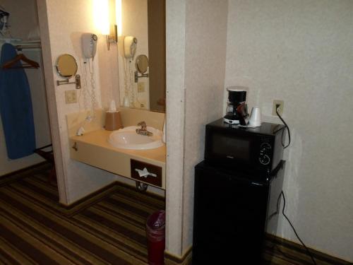 Arena Hotel - San Jose, CA CA 95126