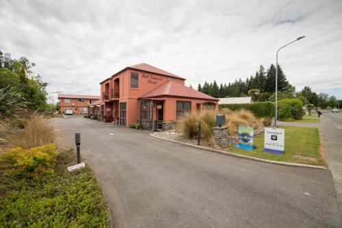 . Red Tussock Motel