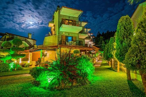 . Akrathos Houses