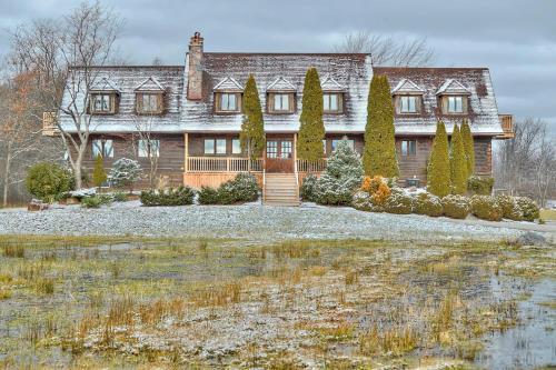 . Grand Niagara Estate Lodge
