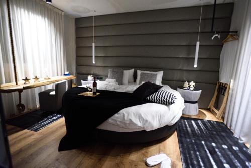 Magnifique Luxury Suites, Pension in Thessaloniki