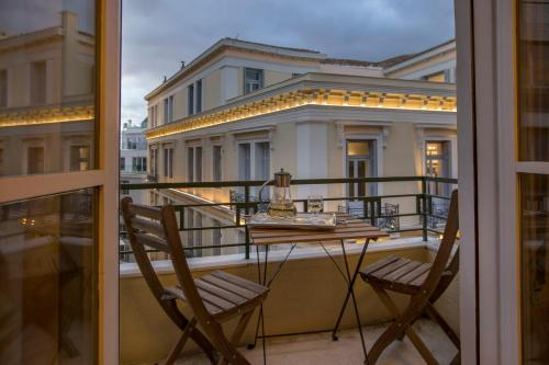 Downtown, classic apartment in Syntagma by GHH, Pension in Athen