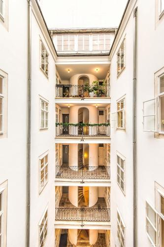 Beautiful City Apartment at famous Ballgasse (23), 1010 Wien