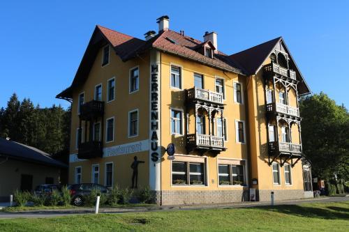 . Herrenhaus am Erlaufsee - DorfResort Mitterbach