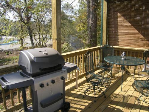 Black Forest Vacation Rentals - Helen, GA 30545