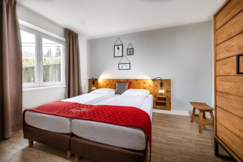 Standard Double Room with Balcony incl. Spa access