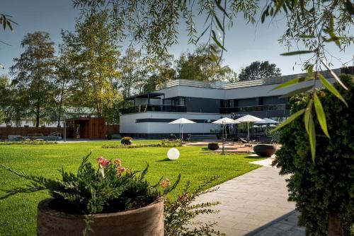Donautica Hotel & Restaurant