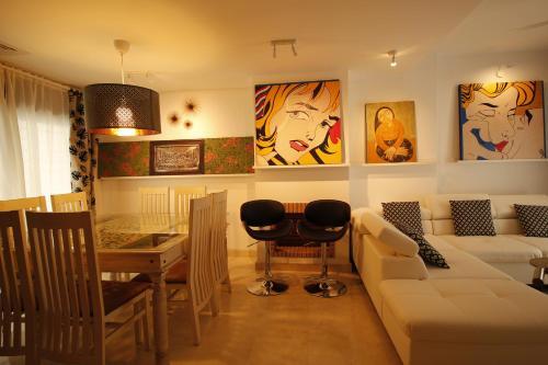 CasaDe Art Gallery