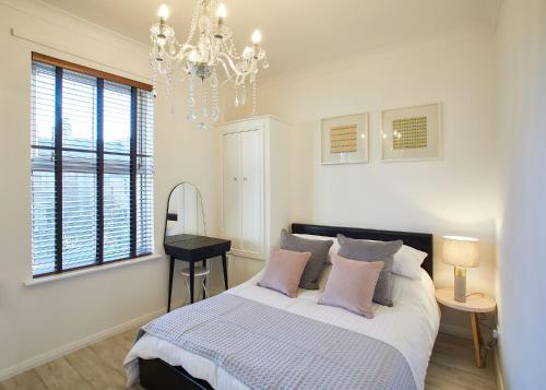 . Pearl Apartment