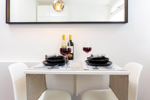 WOW meticulously clean, private, modern apt Delft in Delft
